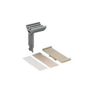 Gruppenschildträger mittiges oder seitliches Aufrasten 10 mm lichtgrau