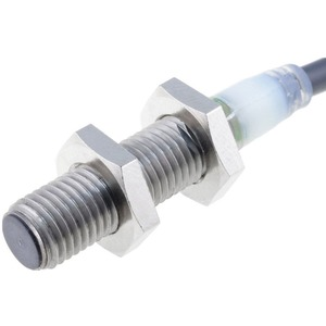 Näherungsschalter induktiv M8 abgeschirmt 2mm DC 3-adrig PNP 1Ö