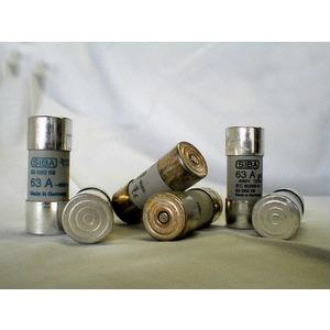 Sicherung ultra-rapid 600V 50A 22x58 mm mit Melder